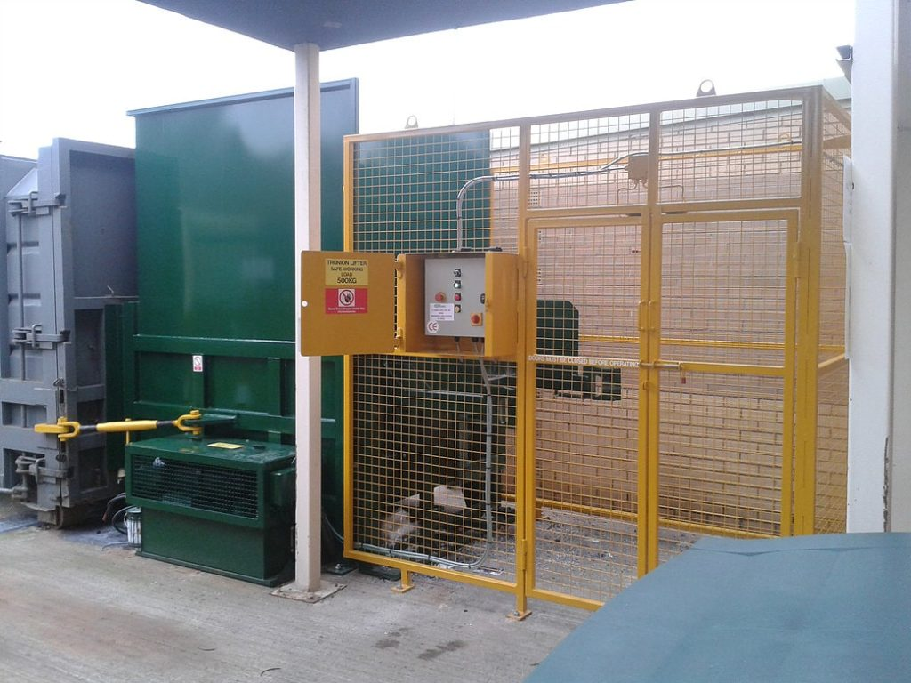 Static Compactor with Cage and bin lift