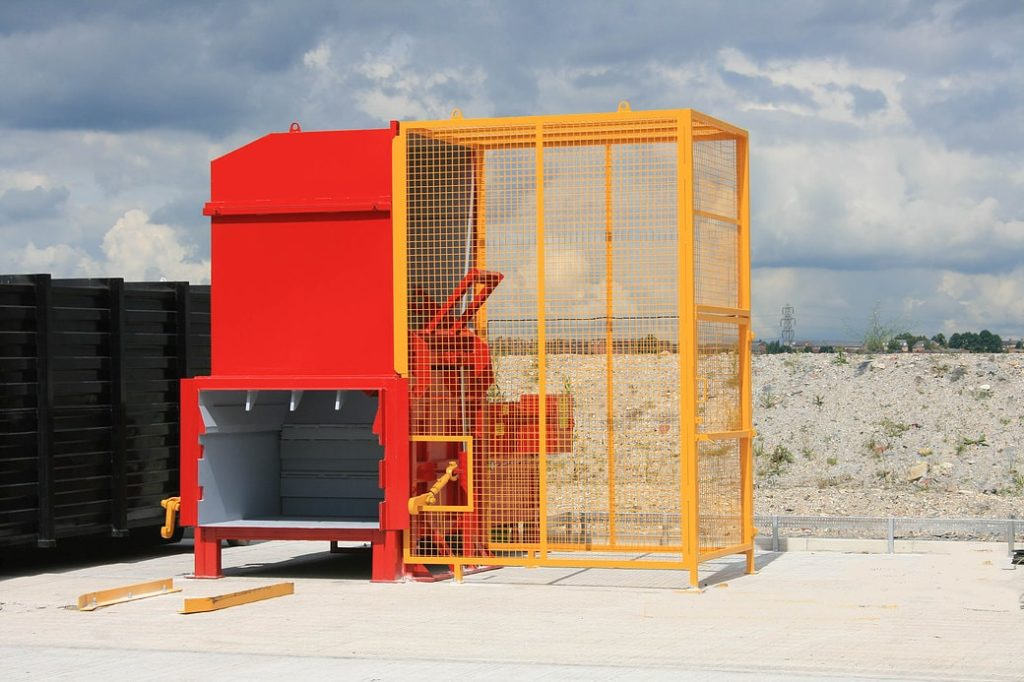 Static Compactor with Bin Lift