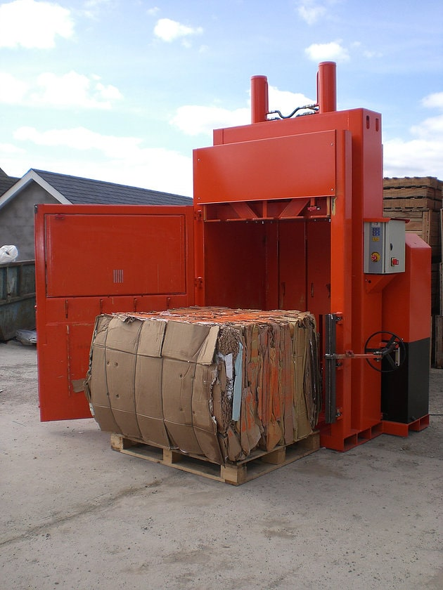 Vertical Baler with Cardboard Bale